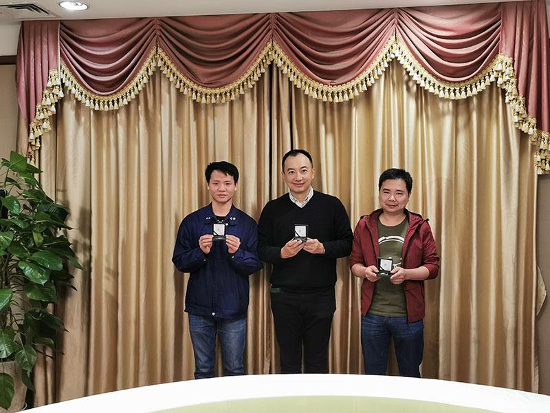 广州海洋10年服务奖同事合照